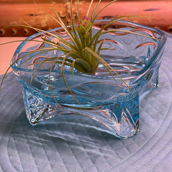 PARTYLITE BEAUTIFUL BLUE CANDLE HOLDER 6x6x3